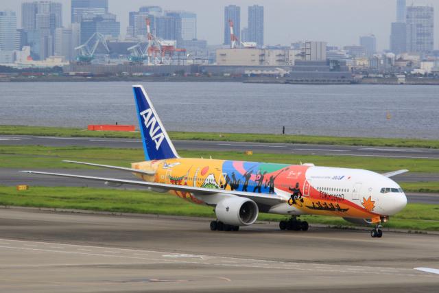 inyoさんが、羽田空港で撮影した全日空 777-281/ERの航空フォト(飛行機 写真・画像)