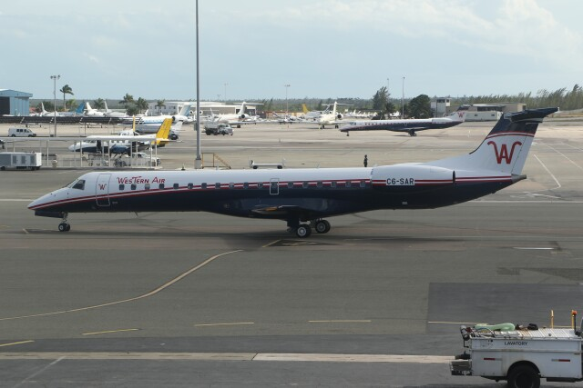 JETBIRDさんが、リンデン・ピンドリング国際空港で撮影したウェスタン・エア ERJ-145LRの航空フォト(飛行機 写真・画像)