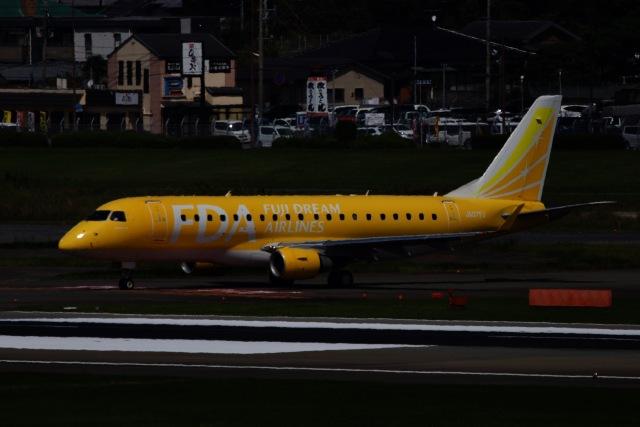 M.airphotoさんが、福岡空港で撮影したフジドリームエアラインズ ERJ-170-200 (ERJ-175STD)の航空フォト(飛行機 写真・画像)
