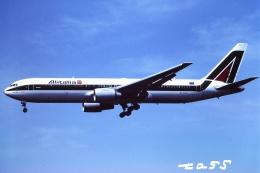 tassさんが、成田国際空港で撮影したアリタリア航空 767-3Q8/ERの航空フォト(飛行機 写真・画像)