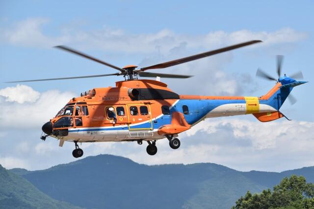 とびたさんが、日本国-JAPAN-で撮影した新日本ヘリコプター AS332L1 Super Pumaの航空フォト(飛行機 写真・画像)