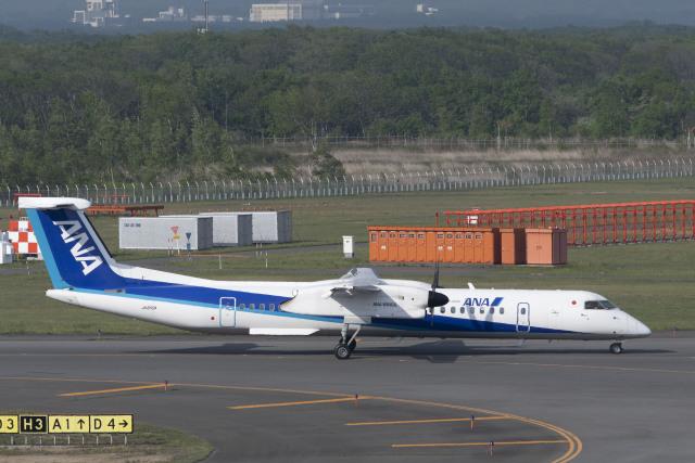 RYO13さんが、新千歳空港で撮影したANAウイングス DHC-8-402Q Dash 8の航空フォト(飛行機 写真・画像)