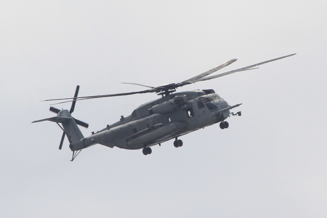 キイロイトリさんが、普天間飛行場で撮影したアメリカ海兵隊 CH-53Eの航空フォト(飛行機 写真・画像)