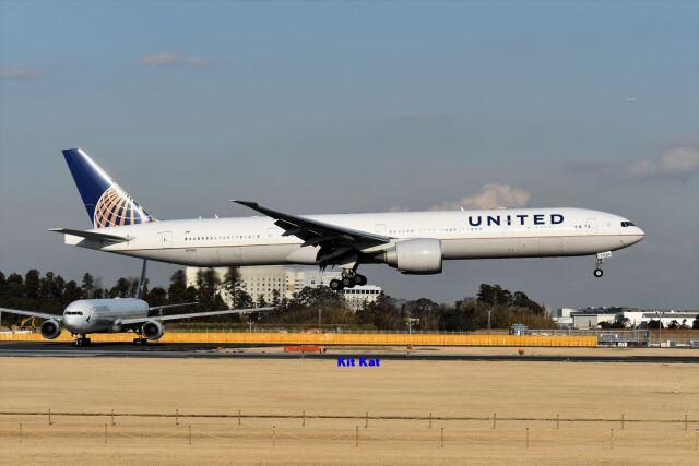 航空フォト:N2136U ユナイテッド航空