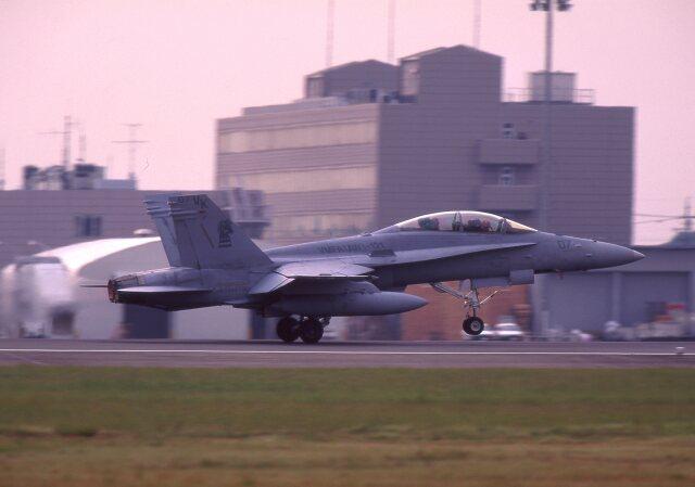 F-4さんが、名古屋飛行場で撮影したアメリカ海兵隊の航空フォト(飛行機 写真・画像)