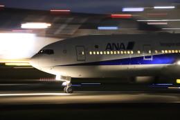 rokko2000さんが、伊丹空港で撮影した全日空 777-281/ERの航空フォト(飛行機 写真・画像)