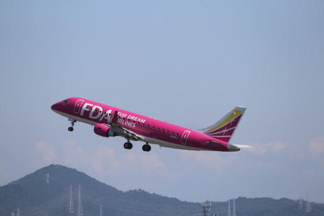 flyflygoさんが、名古屋飛行場で撮影したフジドリームエアラインズ ERJ-170-200 (ERJ-175STD)の航空フォト(飛行機 写真・画像)