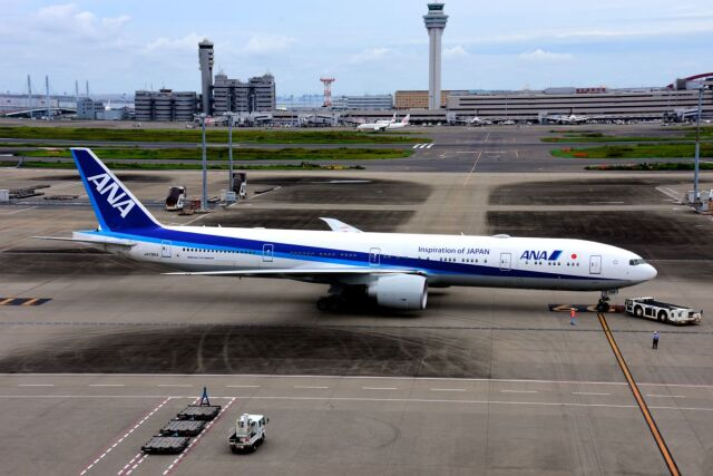 まいけるさんが、羽田空港で撮影した全日空 777-381/ERの航空フォト(飛行機 写真・画像)