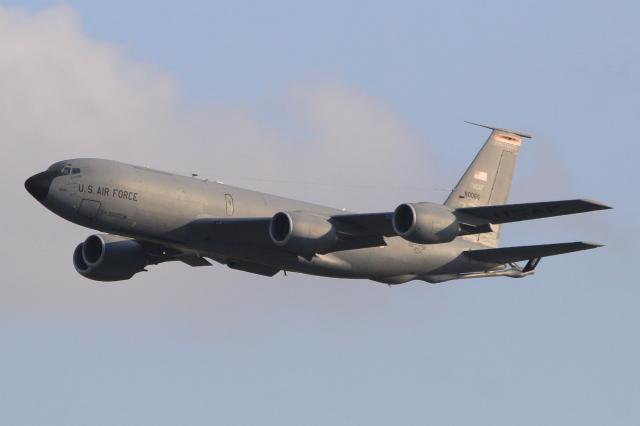 キイロイトリさんが、嘉手納飛行場で撮影したアメリカ空軍 KC-135T Stratotanker (717-148)の航空フォト(飛行機 写真・画像)