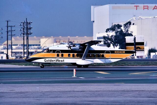 パール大山さんが、ロサンゼルス国際空港で撮影したGolden West Airlines 330-100の航空フォト(飛行機 写真・画像)