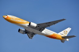 サンドバンクさんが、成田国際空港で撮影したノックスクート 777-212/ERの航空フォト(飛行機 写真・画像)