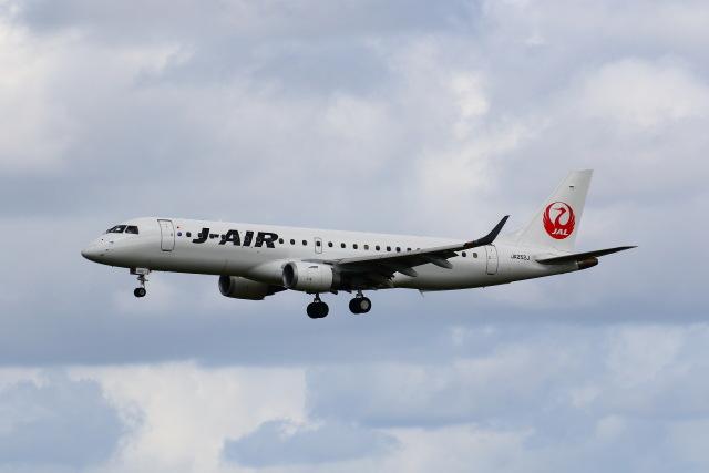 khideさんが、伊丹空港で撮影したジェイエア ERJ-190-100(ERJ-190STD)の航空フォト(飛行機 写真・画像)