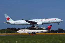 じゃがさんが、成田国際空港で撮影したエア・カナダ 777-333/ERの航空フォト(飛行機 写真・画像)