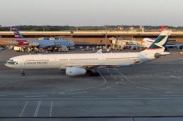 じゃがさんが、成田国際空港で撮影したキャセイパシフィック航空 A330-343Xの航空フォト(飛行機 写真・画像)