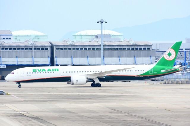 M.Tさんが、関西国際空港で撮影したエバー航空 787-10の航空フォト(飛行機 写真・画像)