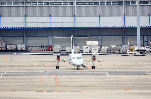 M.Tさんが、関西国際空港で撮影した国土交通省 航空局 DHC-8-315Q Dash 8の航空フォト(飛行機 写真・画像)