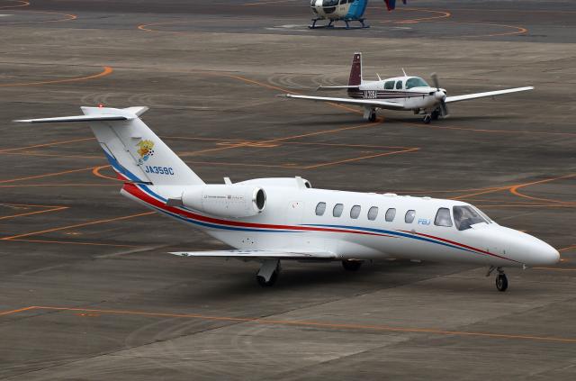 なごやんさんが、名古屋飛行場で撮影した静岡エアコミュータ 525A Citation CJ2+の航空フォト(飛行機 写真・画像)