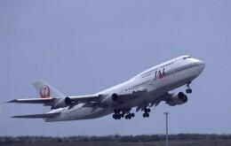 kumagorouさんが、那覇空港で撮影した日本航空 747-146B/SR/SUDの航空フォト(飛行機 写真・画像)