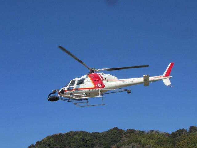 ランチパッドさんが、静岡ヘリポートで撮影した朝日航洋 AS355F2 Ecureuil 2の航空フォト(飛行機 写真・画像)