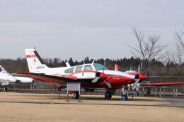 KAZFLYERさんが、成田国際空港で撮影した毎日新聞社 56TC Turbo Baronの航空フォト(飛行機 写真・画像)