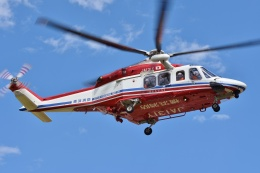ブルーさんさんが、静岡ヘリポートで撮影した横浜市消防航空隊 AW139の航空フォト(飛行機 写真・画像)