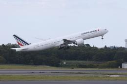 サリーちゃんのパパさんが、成田国際空港で撮影したエールフランス航空 777-328/ERの航空フォト(飛行機 写真・画像)