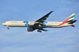 航空フォト:A6-ECC エミレーツ航空 777-300