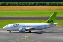 ちっとろむさんが、ウィーン国際空港で撮影したエア・バルティック 737-53Sの航空フォト(飛行機 写真・画像)