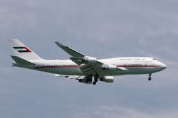 ★azusa★さんが、シンガポール・チャンギ国際空港で撮影したドバイ・ロイヤル・エア・ウィング 747-422の航空フォト(飛行機 写真・画像)
