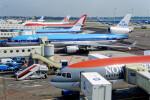Airliners Freakさんが、アムステルダム・スキポール国際空港で撮影したKLMオランダ航空 MD-11の航空フォト(飛行機 写真・画像)
