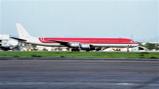 ハミングバードさんが、名古屋飛行場で撮影したエメリー・ワールドワイド DC-8-73CFの航空フォト(飛行機 写真・画像)