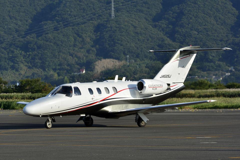 Gambardierさんのオートパンサー Cessna 525 CitationJet (JA525J) 航空フォト