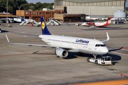 344さんが、ベルリン・テーゲル空港で撮影したルフトハンザドイツ航空 A320-214の航空フォト(飛行機 写真・画像)