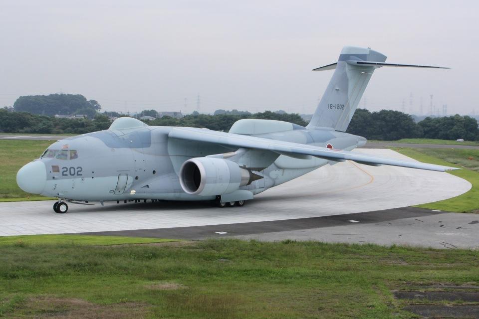 しゃこ隊さんの航空自衛隊 Kawasaki C-2 (18-1202) 航空フォト
