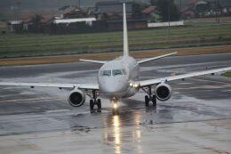 7915さんが、出雲空港で撮影したフジドリームエアラインズ ERJ-170-200 (ERJ-175STD)の航空フォト(飛行機 写真・画像)
