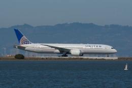 小弦さんが、サンフランシスコ国際空港で撮影したユナイテッド航空 787-9の航空フォト(飛行機 写真・画像)