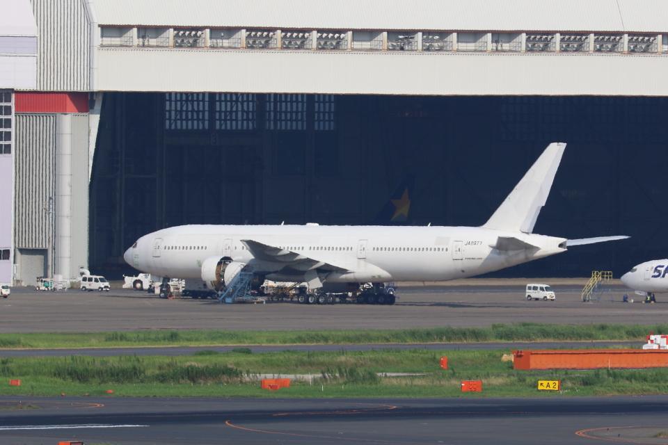 OS52さんの日本航空 Boeing 777-200 (JA8977) 航空フォト