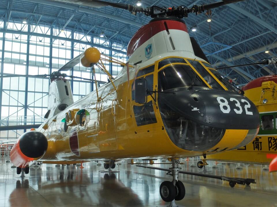 Smyth Newmanさんの航空自衛隊 Kawasaki V-107 (24-4832) 航空フォト