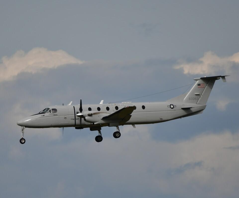 かたつむりくんさんのアメリカ空軍 Beechcraft 1900 (86-0083) 航空フォト