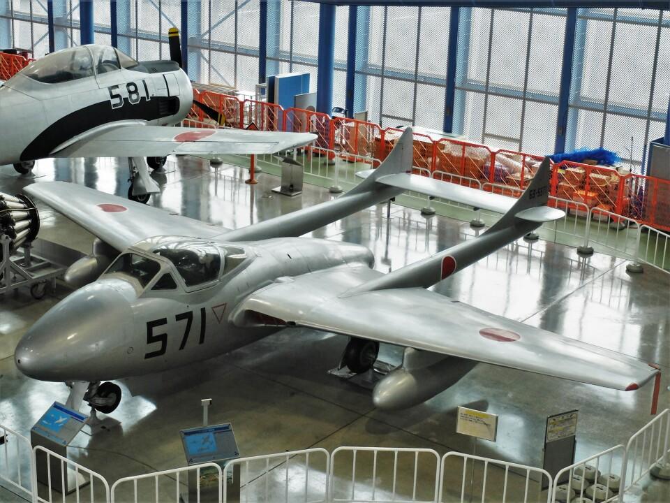 Smyth Newmanさんの航空自衛隊 De Havilland DH.100 Vampire (63-5571) 航空フォト