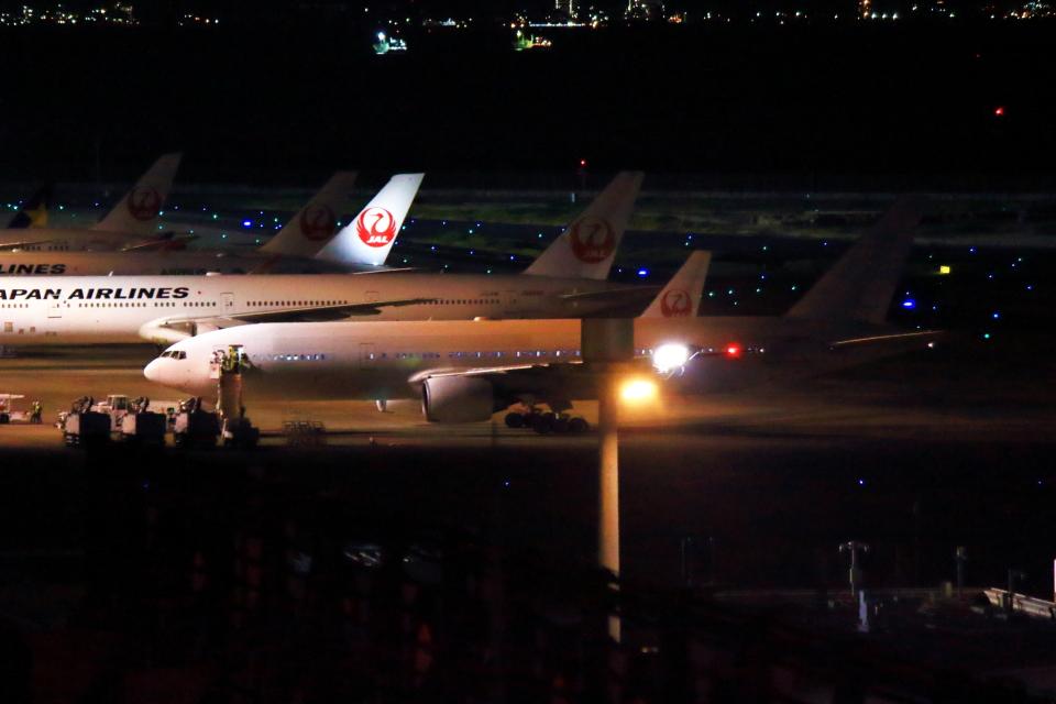 とらとらさんの日本航空 Boeing 777-200 (JA8977) 航空フォト