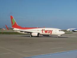 TradelView FUKUROさんが、那覇空港で撮影したティーウェイ航空 737-8KGの航空フォト(飛行機 写真・画像)