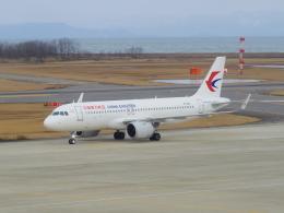 bannigsさんが、新潟空港で撮影した中国東方航空 A320-251Nの航空フォト(飛行機 写真・画像)