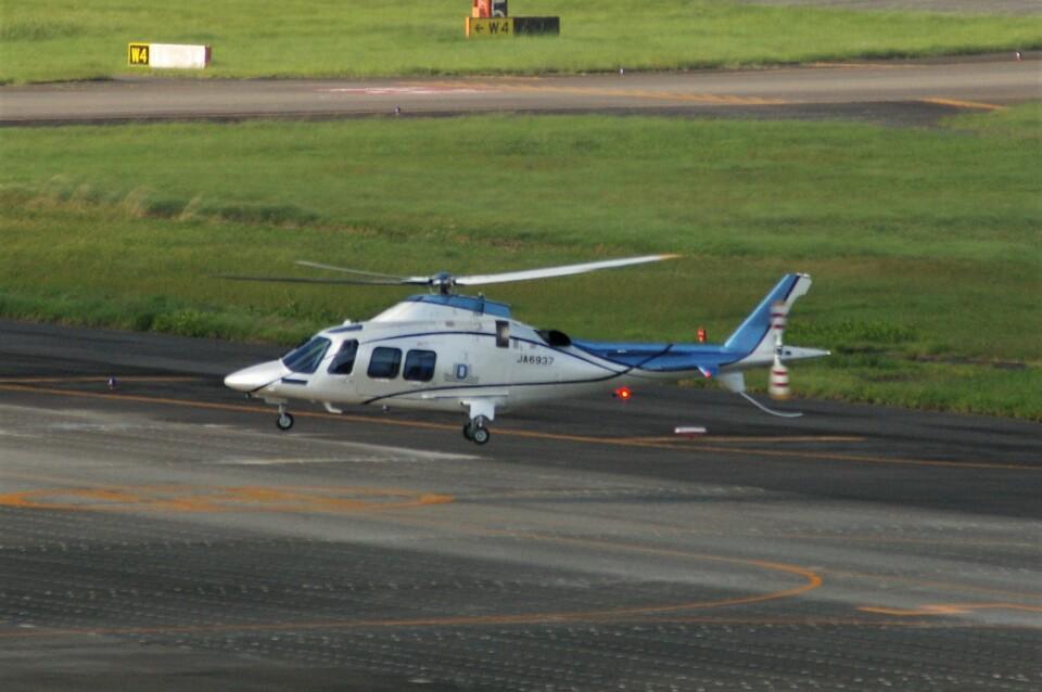 Smyth Newmanさんの日本デジタル研究所(JDL) Leonardo AW109 (JA6937) 航空フォト