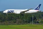 mojioさんが、成田国際空港で撮影したLOTポーランド航空 787-8 Dreamlinerの航空フォト(飛行機 写真・画像)