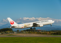 Cygnus00さんが、旭川空港で撮影した日本航空 767-346/ERの航空フォト(飛行機 写真・画像)