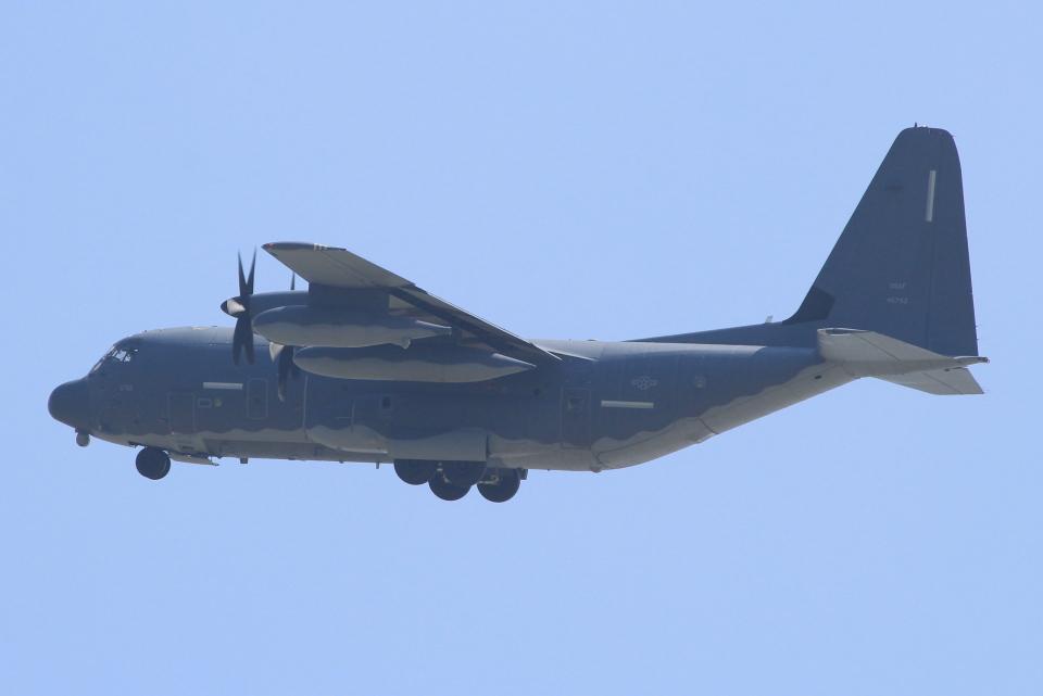 キイロイトリさんのアメリカ空軍 Lockheed Martin C-130 Hercules (14-5793) 航空フォト