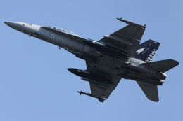 Talon.Kさんが、岩国空港で撮影したアメリカ海兵隊 F/A-18D Hornetの航空フォト(飛行機 写真・画像)