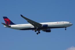 zettaishinさんが、ジェネラル・エドワード・ローレンス・ローガン国際空港で撮影したデルタ航空 A330-302の航空フォト(飛行機 写真・画像)