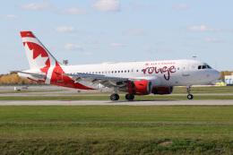 JETBIRDさんが、モントリオール・ピエール・エリオット・トルドー国際空港で撮影したエア・カナダ・ルージュ A319-112の航空フォト(飛行機 写真・画像)